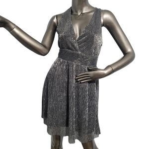 Forever 21 Grey/Silve Metallic short Dress Size M